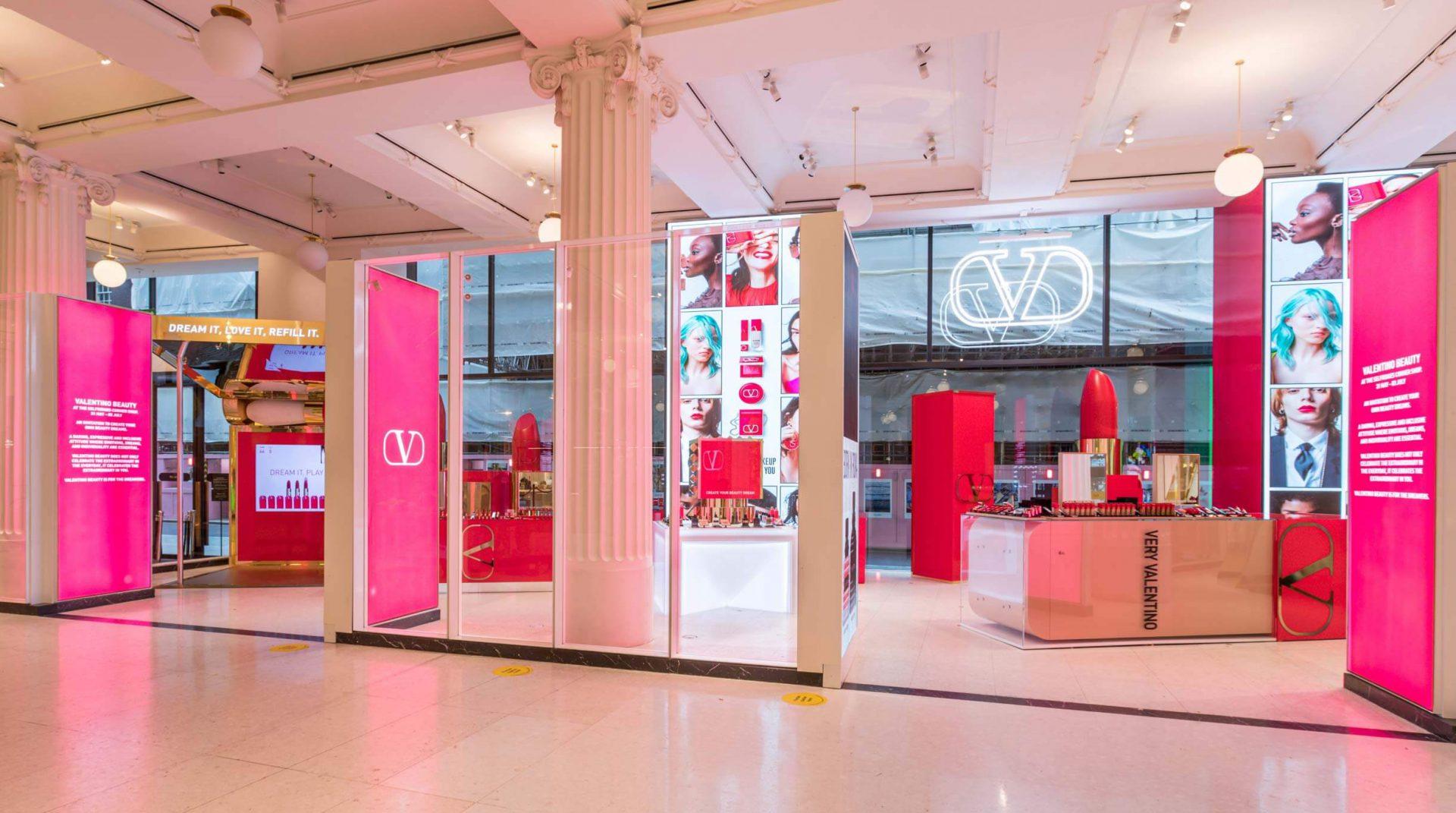 Valentino Corner Shop 06